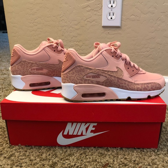 8334d79b7ed5 Nike Air Max Dusty Pink Leopard Print Shoes 💕